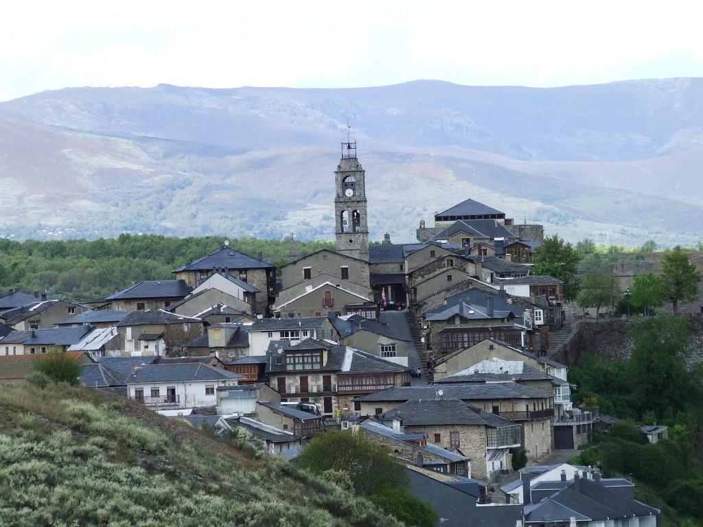 Castillo-vista-desde-La-Estación[1]